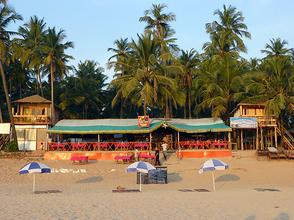 Restaurant & Huts on Palolem Beach (Goa)