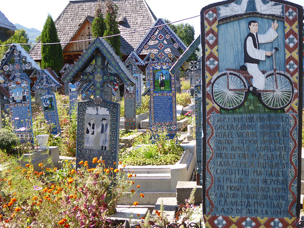 Merry Cemetery, Marmures - Bicycle
