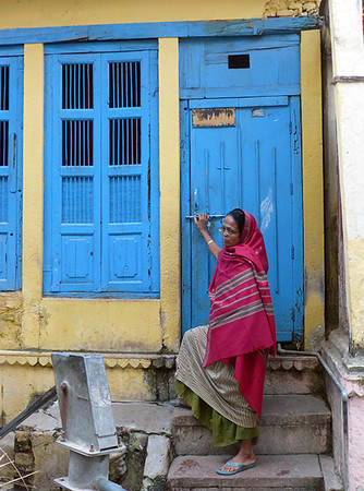 Woman in the Old City (Varanasi)