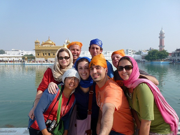 Wandering Earl Tour Group - India